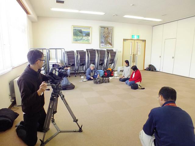 当日は地元のテレビ局や雑誌の記者が取材に訪れた.