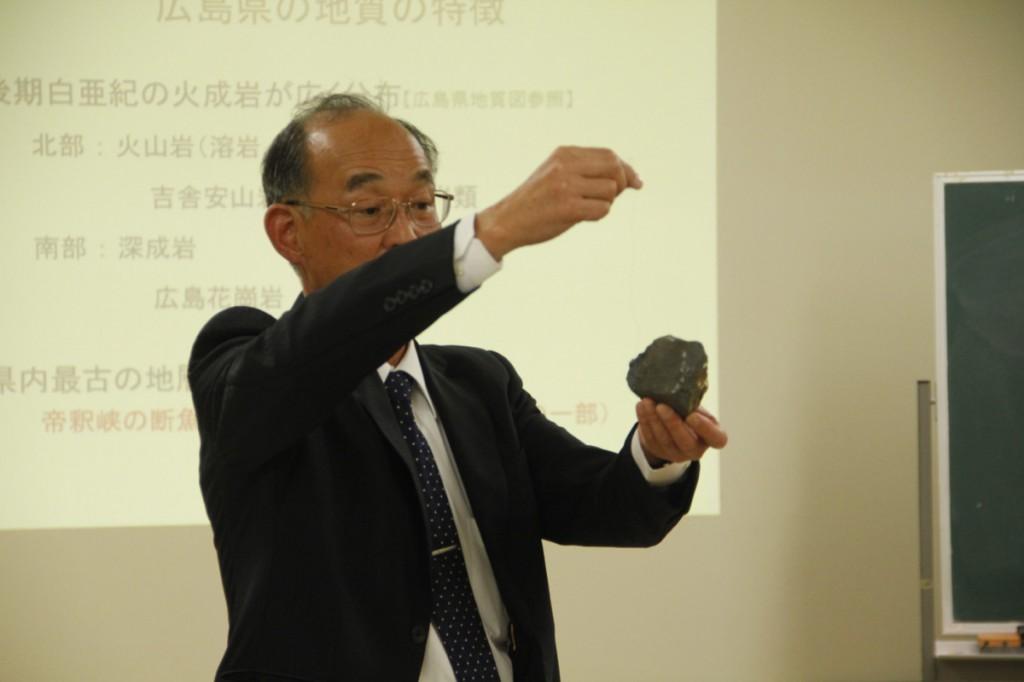 磁鉄鉱が含まれているかどうか、実験中。