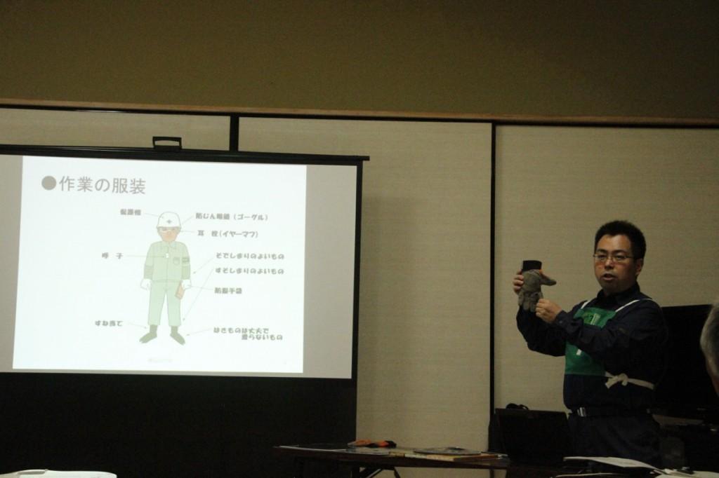 養父先生の講座が始まった。資料もイラストや写真がたくさんあってわかりやすい。質問もたくさんでました。