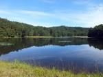 秋の空と尾崎沼湿原